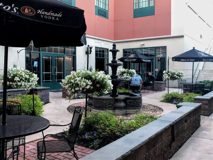 Hotel Anthracite outdoor dining