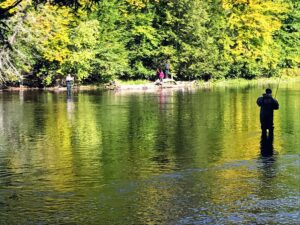 Practice fishing etiquette even when elbow-to-elbow conditions prevail.